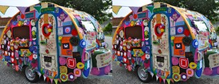 YARN BOMBING - KNITTING GAFFITI